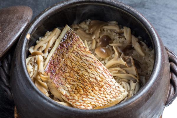 土鍋炊き鯛めし